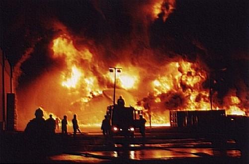 Sassoferrato: Capannone in fiamme, falegnameria distrutta